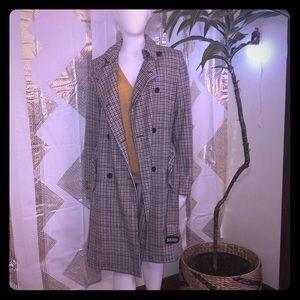 Plaid trench coat 🧥 GAP